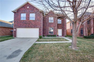 Fort Worth Single Family Home For Sale: 1936 Creek Crossing Drive