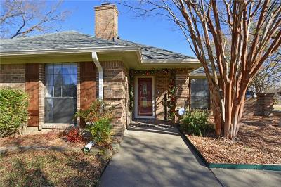 Heath Single Family Home For Sale: 120 Larry Drive