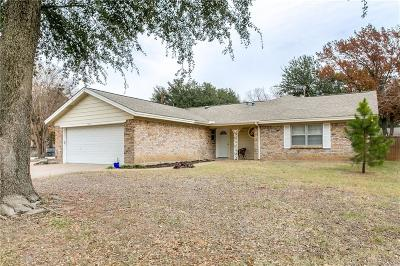 Hurst Single Family Home For Sale: 1220 Irwin Drive