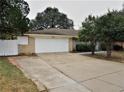Arlington Single Family Home For Sale: 1700 Ridgeview Drive