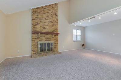 Garland Single Family Home For Sale: 2913 Chariot Lane