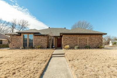 North Richland Hills Single Family Home For Sale: 5613 Caracas Drive