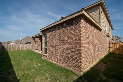 Grand Prairie Single Family Home For Sale: 2928 Arenoso