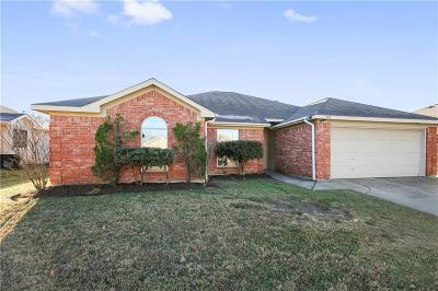 Mansfield TX Single Family Home For Sale: $241,000