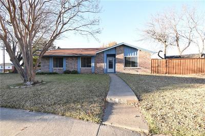 Garland Single Family Home For Sale: 217 Elmwood Place