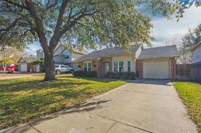 Fort Worth Single Family Home For Sale: 4656 Misty Ridge Drive