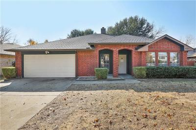 Grand Prairie TX Single Family Home For Sale: $205,000