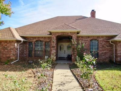 Arlington Single Family Home For Sale: 3001 Greenbrook Drive