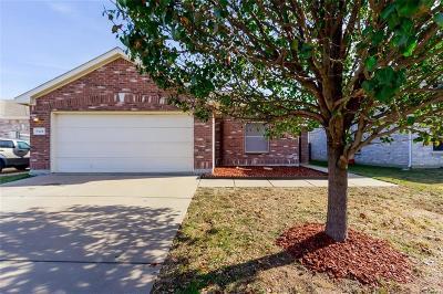 Grand Prairie Single Family Home For Sale: 5428 Montague Lane