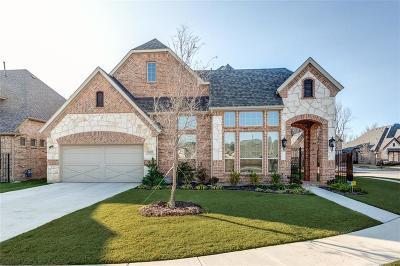 Tarrant County Single Family Home For Sale: 5620 Heron Drive W