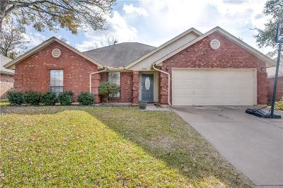 Arlington Single Family Home For Sale: 808 Fondren Drive