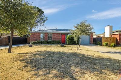 White Settlement Single Family Home For Sale: 927 Bourland Drive