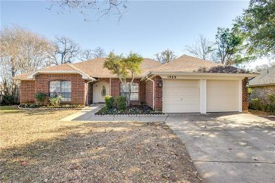 Fort Worth Single Family Home For Sale: 1929 Canterbury Circle