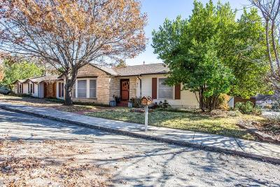 Parker County Single Family Home For Sale: 211 Davis Street