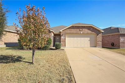 Fort Worth Single Family Home For Sale: 6008 Saddle Flap Drive