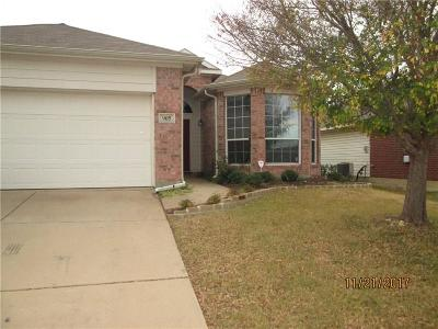 Fort Worth Single Family Home For Sale: 905 Rio Bravo Drive