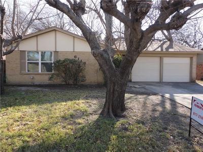 Tarrant County Single Family Home For Sale: 6116 Mackneal Trail