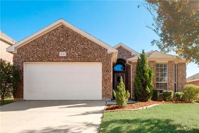 Johnson County Single Family Home For Sale: 813 Pebblecreek Drive