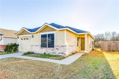 Burleson TX Single Family Home For Sale: $135,000