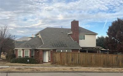 Lewisville Single Family Home For Sale: 501 Timber Way Drive