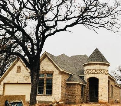 Kennedale Single Family Home For Sale: 905 Shady Oaks Drive