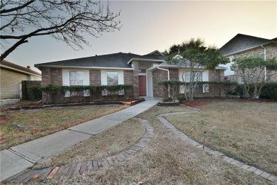 Garland Single Family Home For Sale: 4118 Crystal Lane
