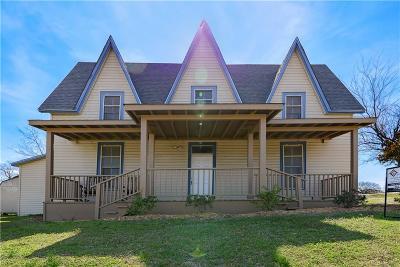 Van Alstyne Single Family Home For Sale: 453 E Marshall Drive