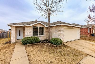 Fort Worth Single Family Home For Sale: 12017 Wolfson Street