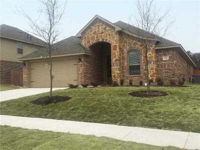 Saginaw Single Family Home For Sale: 604 Ravenwood Drive