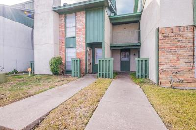 Grand Prairie Townhouse Active Option Contract: 1402 S Carrier Parkway #208