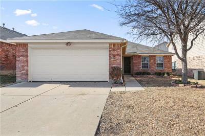 Fort Worth Single Family Home For Sale: 605 Fox Hunt Trail