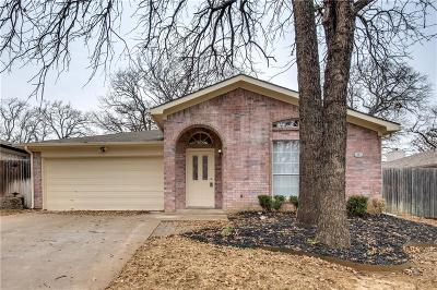 Mansfield Single Family Home Active Option Contract: 1208 Cardinal Oaks Drive