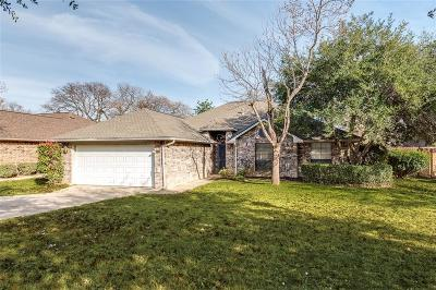 Grapevine Single Family Home For Sale: 2715 Devonshire Court