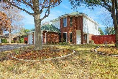 Keller Single Family Home Active Option Contract: 695 Pryor Court N