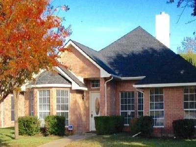 Single Family Home For Sale: 17804 Hillcrest