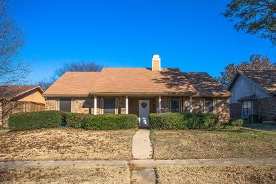 Flower Mound Single Family Home Active Kick Out: 4320 Avon Court