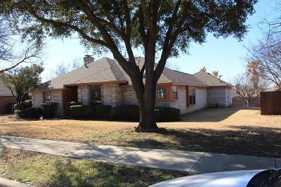Carrollton Single Family Home For Sale: 1215 Shawnee Trail