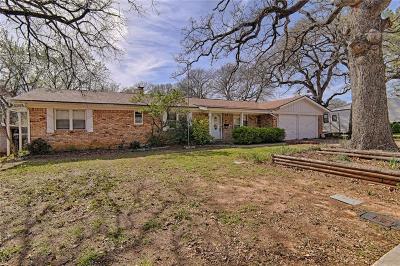 Hurst Single Family Home For Sale: 505 Oak Park Drive