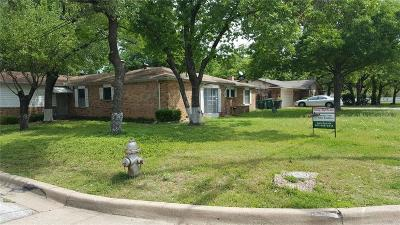 Fort Worth Single Family Home For Sale: 5001 Meadowbrook Drive