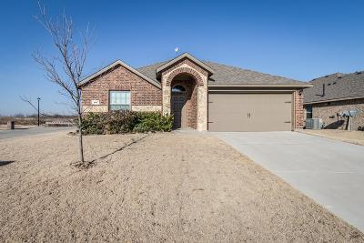 Waxahachie Single Family Home Active Option Contract: 101 Pony Court