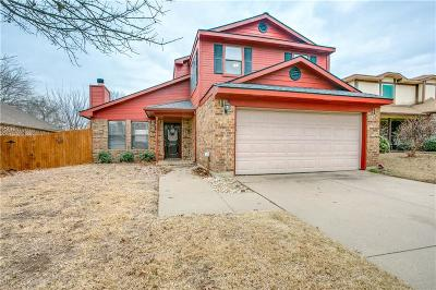 Grapevine Single Family Home For Sale: 1707 Stoneway Drive