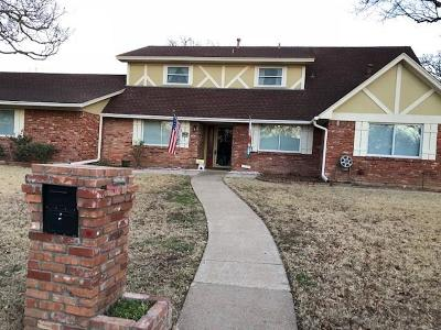 Arlington Single Family Home For Sale: 2119 Prestonwood Drive