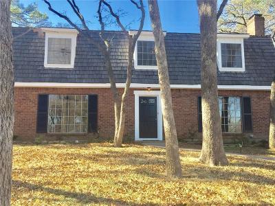 Arlington Single Family Home For Sale: 3205 Woodford Drive
