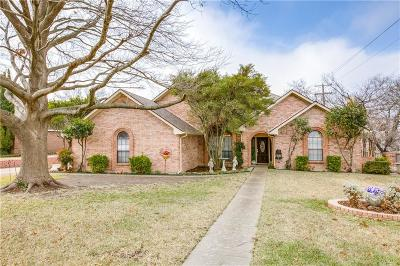 Duncanville Single Family Home Active Kick Out: 715 Meadowbrooke Circle