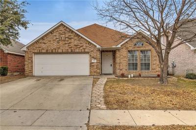 Saginaw Single Family Home For Sale: 740 Fox Run Trail
