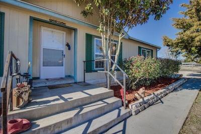 Waxahachie Single Family Home For Sale: 118 Chapel Court