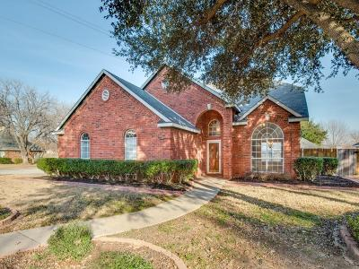 Grapevine Single Family Home For Sale: 560 Dove Creek Place