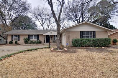 Arlington Single Family Home For Sale: 1206 Waggoner Drive