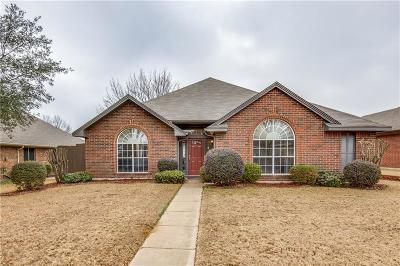 Lewisville Single Family Home Active Option Contract: 722 Blue Oak Drive