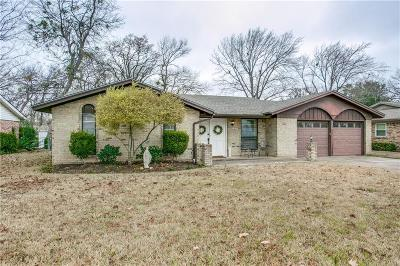 Bedford, Euless, Hurst Single Family Home For Sale: 2325 Shady Meadow Drive